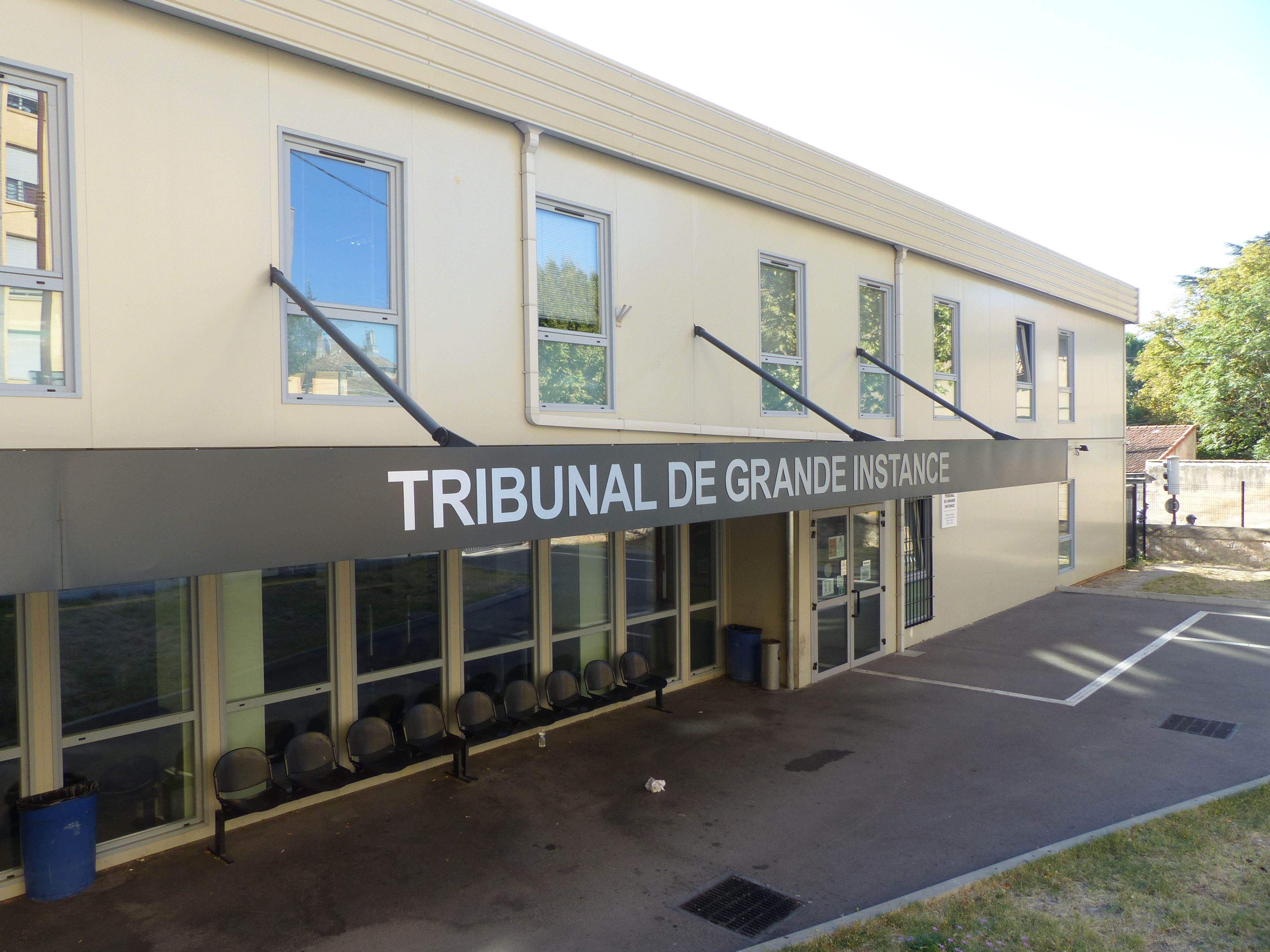 Hugo patrimoine des lieux de justice for Tribunal d instance salon de provence
